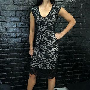Dresses & Skirts - Black lace body con dress